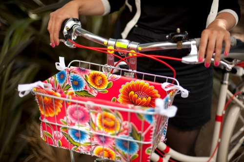 DIY bike basket from ModCloth Blog
